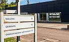 Dealer Peugeota stracił autoryzację. Pusty salon w Sopocie