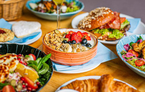 Śniadaniowe promocje w trójmiejskich restauracjach