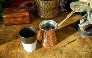 Międzynarodowy Dzień Kawy. Niebanalne kawiarnie i oryginalne smaki w Trójmieście
