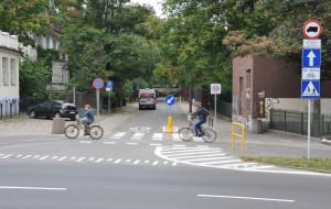 Zdemontują barierkę na drodze rowerowej na ul. Piramowicza?