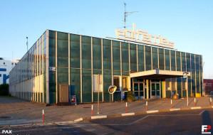 Burzą dawną bazę Polferries w Porcie Gdańsk