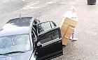 Fotopułapka nagrała podrzucającą śmieci