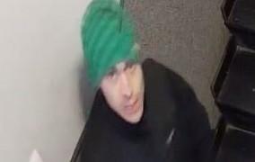 Poszukiwani złodzieje kart płatniczych i włamywacz