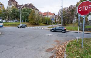 Przebudowa skrzyżowania na Dąbrowie. Nowa sygnalizacja i przejścia dla pieszych