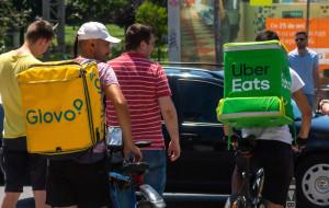 Glovo i Uber Eats na celowniku UOKiK. Klienci skarżą się na rozliczenia