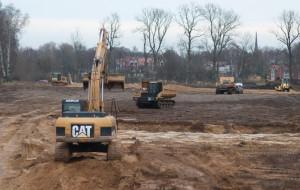 Niemcy zaczęli budowę boiska w Oliwie