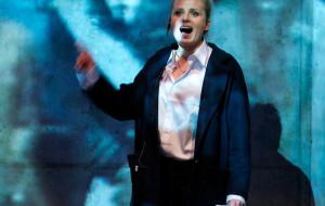 Multimedialny Hamlet na terenie budowy Teatru Szekspirowskiego