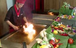 Teppanyaki, czyli kulinarne show na wschodnim grilu