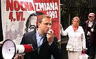 """Dwie manifestacje w rocznicę """"nocnej zmiany"""" pod domem Wałęsy"""