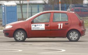 Sprzedawali prawa jazdy, teraz szkolą kierowców