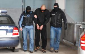 Zabójca powiesił się w celi