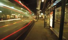 Nocne sprinty za uciekającym autobusem