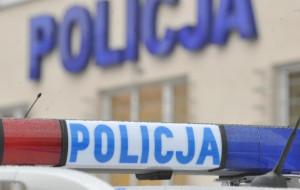 Policjant uratował tonącego psa