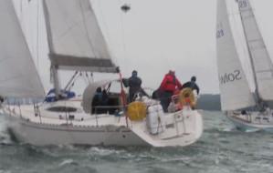 Jachty walczyły w deszczu o Błękitną Wstęgę