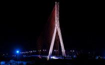 Iluminacje wiaduktów i mostów coraz bledsze