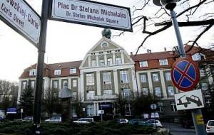 Kliniki UCK kontra NFZ: nie ma pieniędzy na leczenie