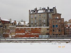 Zachowany do dnia dzisiejszego fragment krzyżackiego muru i baszta przy ul. Wartkiej