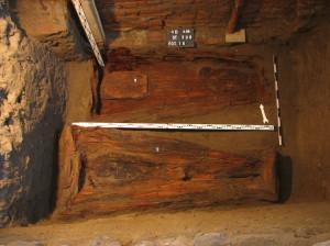 Trumny odkryte w krypcie nr 238. Fot. Arkadiusz Koperkiewicz