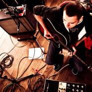 Stachura gra Drum&Bass