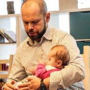 Muzealne zmysły: Jak bawić się ze swoim dzieckiem?