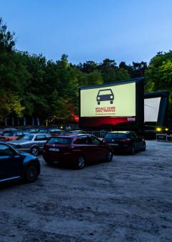Kino Plenerowe i Samochodowe: O północy w Paryżu