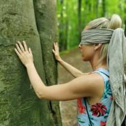Spacer zmysłów - arte - trening w lesie