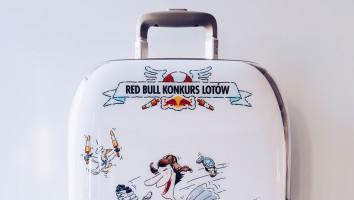 Pakiet gadżetów Red Bull Konkurs Lotów (walizka + koszulka)