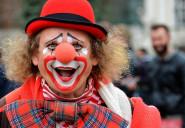 Stary Clown i morze -