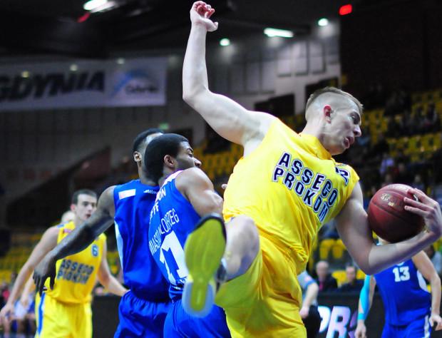 Rasid Mahalbasić zdobył 16 punktów i 17 zbiórek.
