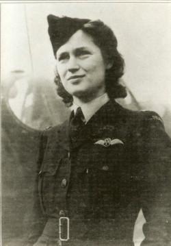 Jadwiga Piłsudska-Jaraczewska w mundurze Royal Air Force.