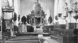 Wyposażenie kościoła z okresu, kiedy świątynią zarządzali ewangelicy.