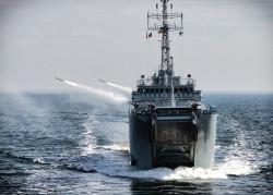 Wśród tegorocznych aukcji jest rejs transportowcem Marynarki Wojennej RP.