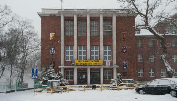 Budynek szkoły przy ul. Augustyńskiego zostanie zaadaptowany przez Urząd Marszałkowski Województwa Pomorskiego.