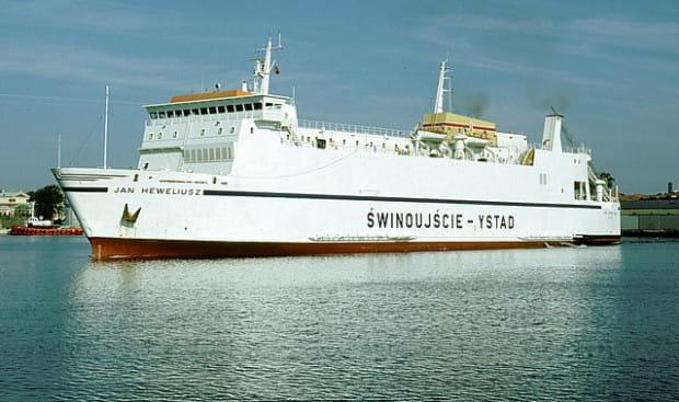 """Prom kolejowo-samochodowy typu ro-ro """"Jan Heweliusz"""" zbudowano w norweskiej stoczni Trosvik w 1977 roku, na zamówienie Polskich Linii Oceanicznych."""