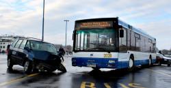 Symulowany wypadek gdyńskiego autobusu.