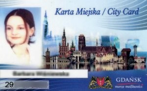 ZTM wydał kilkadziesiąt tysięcy Kart Miejskich, do tego dochodzą jeszcze tysiące kart Dużej Rodziny, działających w oparciu o ten sam system.