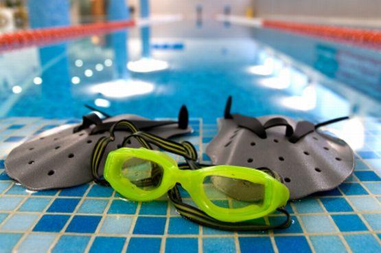 W Trójmieście, gdzie znajduje się ponad 30 basenów, z których korzystają tysiące osób, ciężko jest zapewnić na każdym z nich pełną higienę.