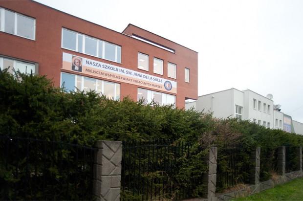 Po dwóch miesiącach od sądowego zakazu emisji reportażu w TVP2 o nieprawidłowościach w szkole im. św. Jana de la Salle jest szansa na to, że materiał będzie można wreszcie zobaczyć.