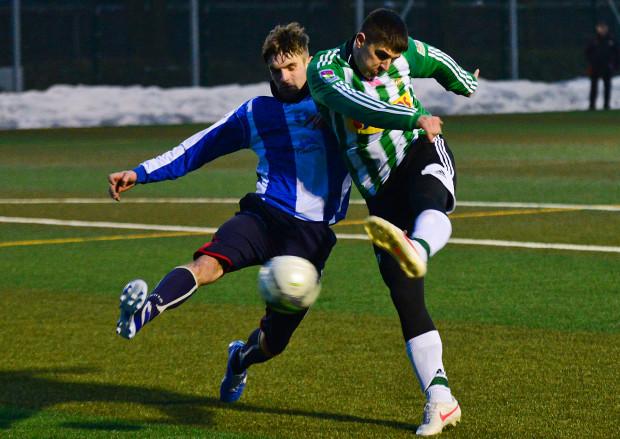 Piotr Grzelczak w lutym w Lechii mógł grać tylko w rezerwach. Na boiska ekstraklasy napastnik wróci w barwach Polonii. Do Warszawy został wypożyczony do końca sezonu.