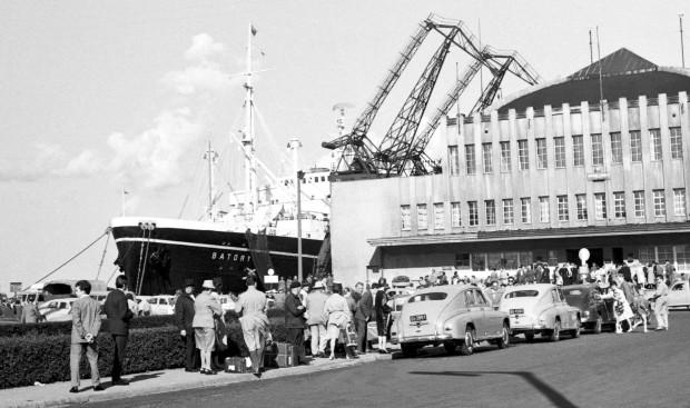 Dworzec Morski w Gdyni - ostatni widok ojczyzny dla setek tysięcy Polaków w XX wieku.
