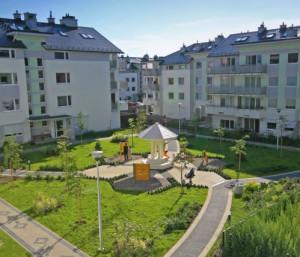 Królewskie Wzgórze doceniane jest za ciekawe wypełnienie przestrzeni między budynkami.