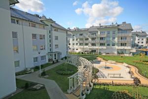 Mieszkańcy Królewskiego Wzgórza szczególnie doceniają wewnętrzne przestrzenie między budynkami.