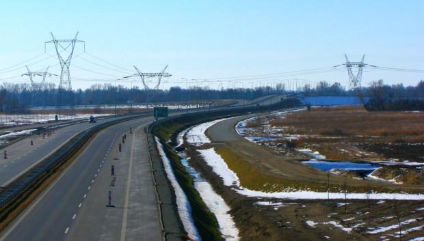 Dojazd do Południowej Obwodnicy Gdańska od strony Trasy Sucharskiego. W oddali widać węzeł Gdańsk-Port.