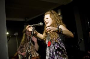 Alina Jurczyszyn wraz z Laboratorium Pieśni zaprezentuje pieśni wiosenne.