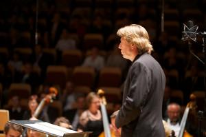 - Chcemy umożliwić rodzicom przyjście na koncert ze swoimi dziećmi - mówi Ernst van Tiel, dyrektor artystyczny PFB.