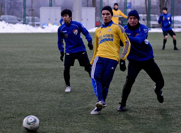 Piotr Pietkiewicz (na zdjęciu) dopiero co zadebiutował w wyjściowej jedenastce Arki Gdynia. Jego dobra postawa zaowocowała powołaniem do kadry U-18, w której znalazło się także trzech graczy Lechii Gdańsk.