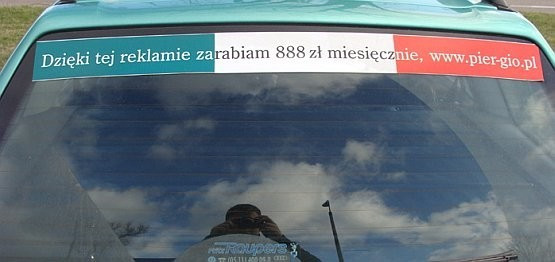 Prawie 3 tys. osób zostało oszukanych przez Włocha, który w zamian za naklejenie reklamy na samochodzie, obiecywał pieniądze.