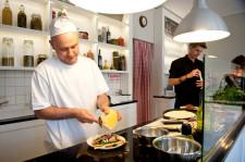 Sempre Pizza e Vino to nowa włoska restauracja w miejscu kultowego klubu Papryka.