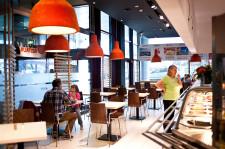 Big Apple w CH Batory w Gdyni to restauracja samoobsługowa.