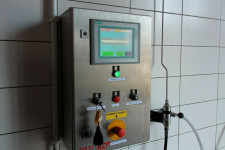 Proces mycia sterowany jest z jednego urządzenia, gdzie wybiera się konkretny model tramwaju.